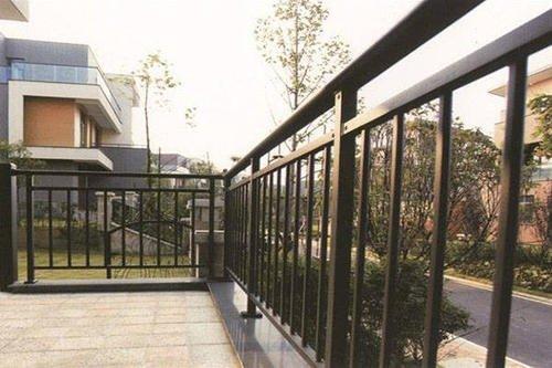 锌钢阳台栏杆的特点以及怎么维护保养?