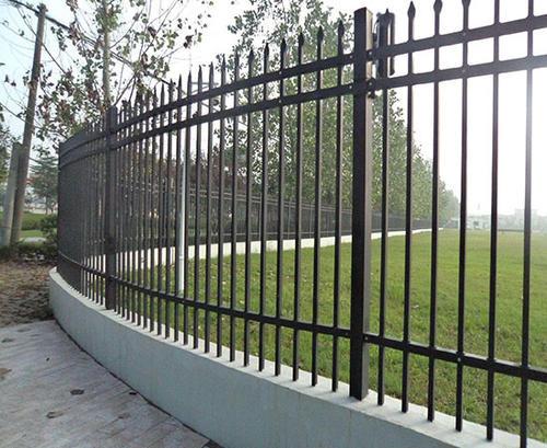 組裝四川鋅鋼圍墻欄桿的步驟方法你知道嗎?