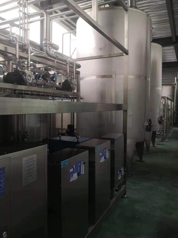益百岁生产矿泉桶装水