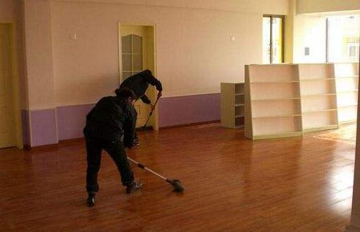 在进行开荒保洁的时候,需要准备什么工具?相关的保洁步骤有哪些呢?