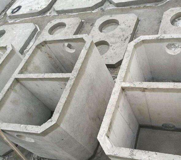 水泥隔油池