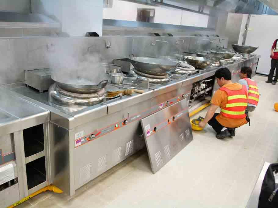 厨房设备调试现场