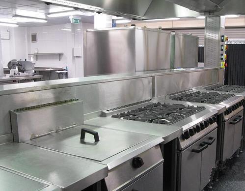 商用厨房设备的种类和优点
