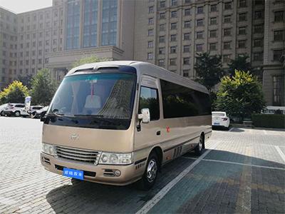 丰田考斯特旅游租车展示