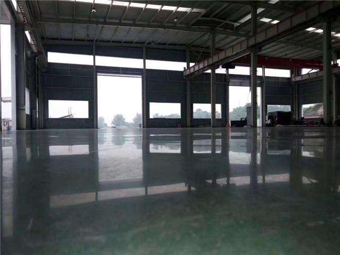 混凝土钢化地坪有着怎样的特点?新疆钢化地坪厂家告诉你们