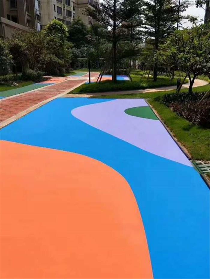 宇浩通达给某水上乐园修建的透水地坪案例