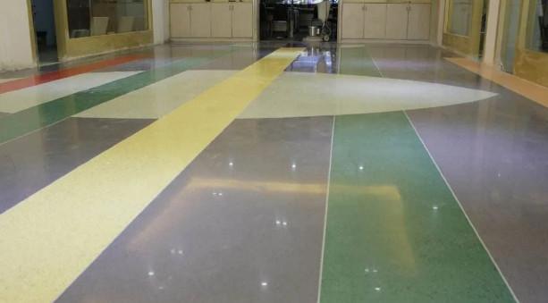 彩色钢化地坪施工时有哪些注意事项