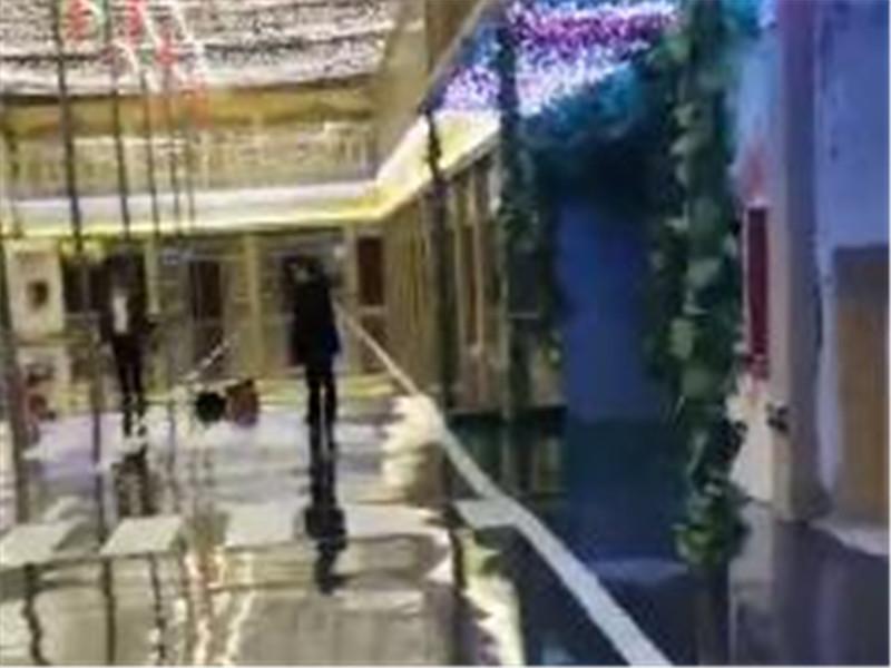 乌鲁木齐南站 疆味码头餐饮广场 环氧平涂地坪