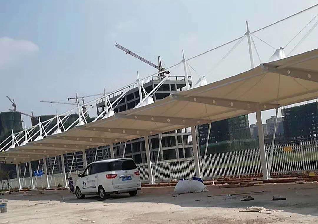 膜结构帽顶式停车棚---广安广鑫新能源科技开发有限公司厂区