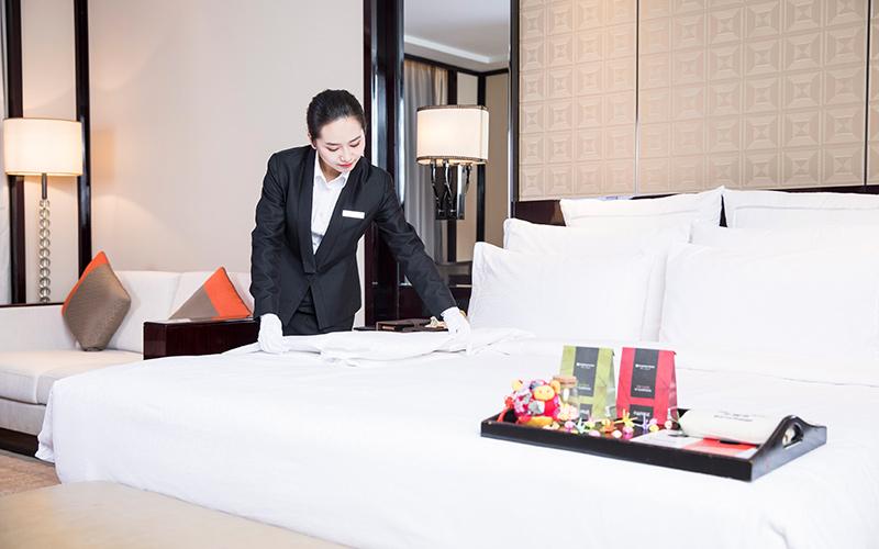 大连洗涤公司:导致酒店布草洗涤后发硬的原因