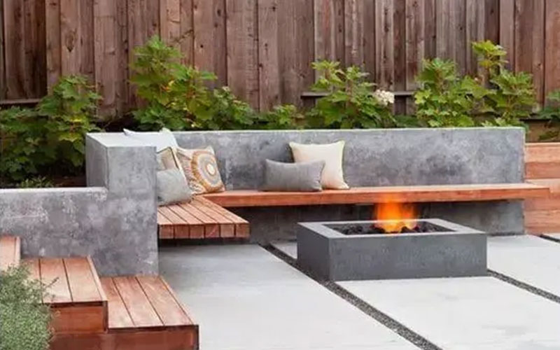 大连防腐木在庭院里做一组椅子,不怕日晒雨淋,美观还实用