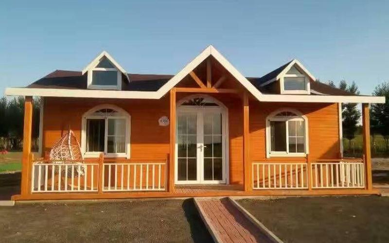 防腐木厂家:新建成的防腐木木屋如何保养?
