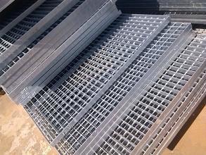 运用四川钢格板制成的雨水井盖拥有哪些好处?