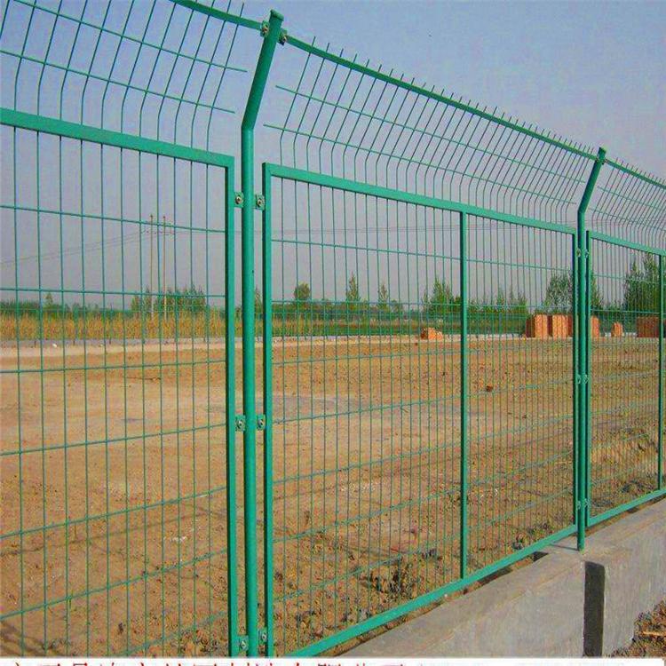 成都桃型柱护栏网