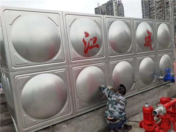 泸州不锈钢水箱安装现场