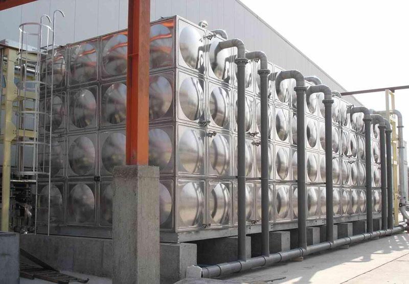 清洗组合式不锈钢水箱的方法
