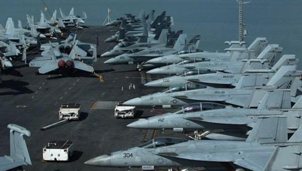 美太平洋舰队4艘航母纷纷暴发疫情,这究竟是怎么回事?