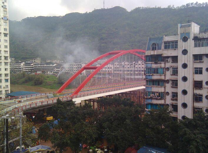 茅台镇钢结构桥柔性环氧铺装案例
