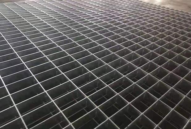 有哪些因素会影响平台钢格板的使用寿命