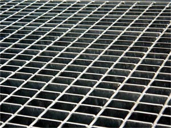 你知道成都镀锌钢格栅的优缺点吗?让我们向你解释一下。