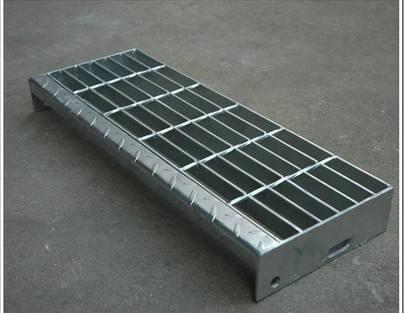 不锈钢踏步板