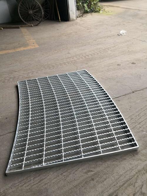 小编共享一些成都钢格板几种防滑计划的特点与挑选。