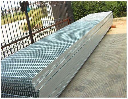 关于成都镀锌格栅板的四大优点你知道吗?