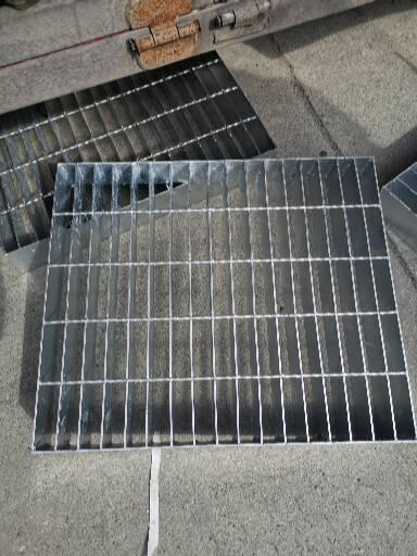 小编共享一下关于成都齿形钢格栅防滑作用哪家好。