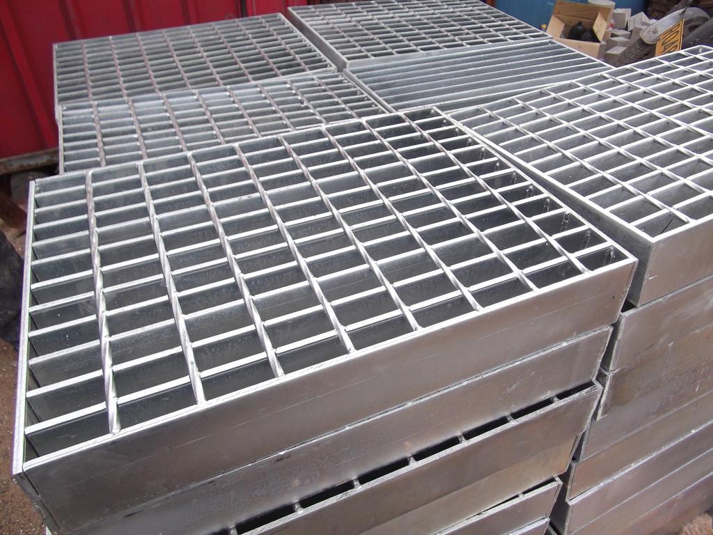 如何去避免钢格板产生白锈?