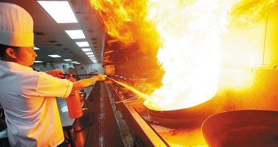 厨房火灾频发这时你需要准备专用的成都厨房灭火设备