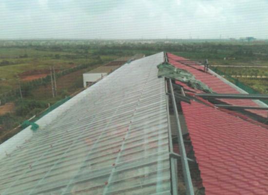 某工厂使用双捷透明瓦建造房顶工程案例展示