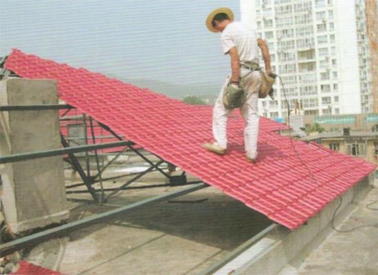 某小区使用双捷树脂瓦建造顶楼屋顶工程案例展示