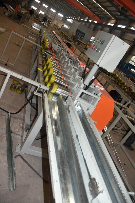 恒利防火門生產設備展示