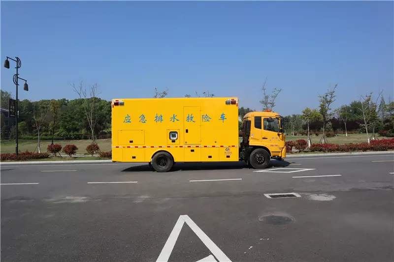 南阳宜和城保告诉你怎么选择安全的排水车?