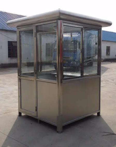 很多客户对塑钢岗亭和不锈钢岗亭都很感兴趣,不锈钢岗亭与塑钢岗亭的不同之处