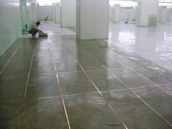 成都pvc无边防静电地板的功能特点及其应用领域