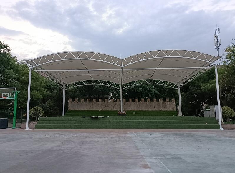 西安铁道技师学院膜结构观礼台工程