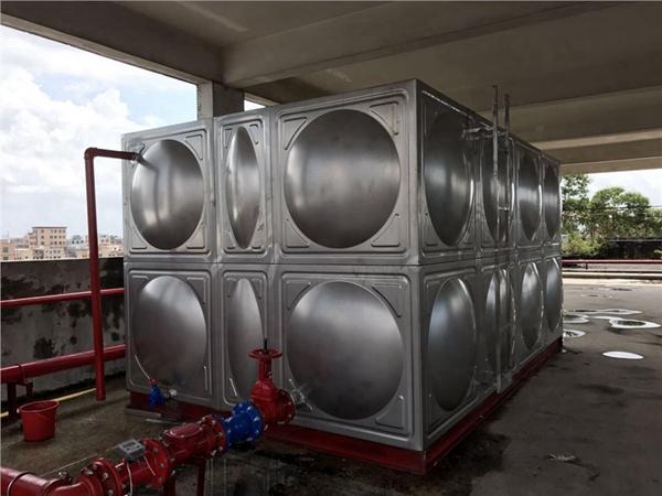 保温水箱的二次供水设备