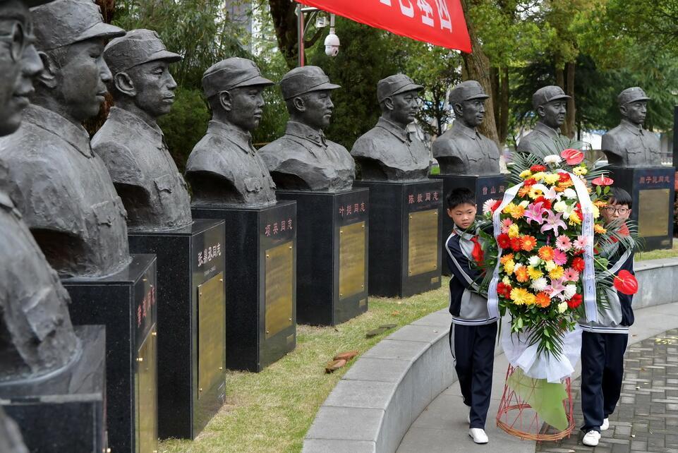 纪念伟大胜利,捍卫世界和平,各地举行活动纪念抗战胜利75周年