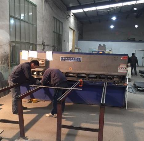 西安钣金加工厂分享使用剪板机时需要注意点