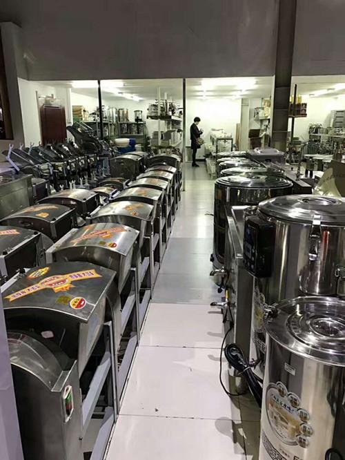 商场保温加热产品展示区