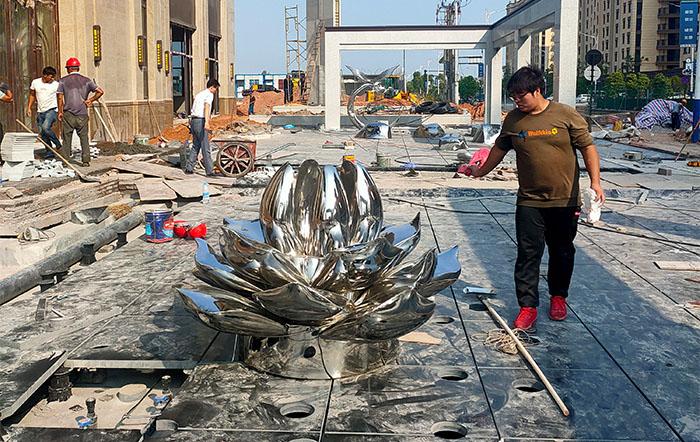 不锈钢雕塑应该怎么设计?快来看小编给大家的分享