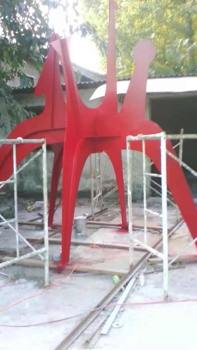玻璃钢雕塑施工