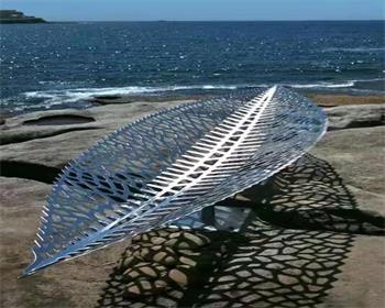 不锈钢雕塑竟也可以让园林如此好看