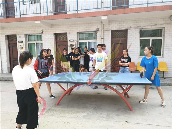 陕西厌学教育-课外活动-乒乓球