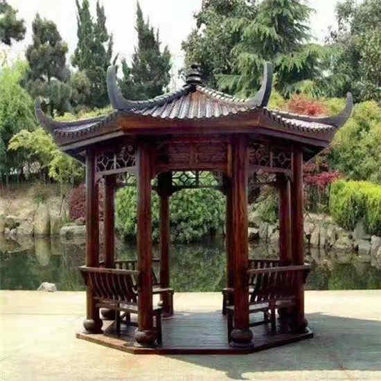 某公园使用御景源防腐木建造凉亭客户见证