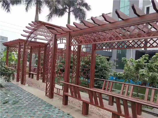 某城市美化使用御景源防腐木花架建造案例展示