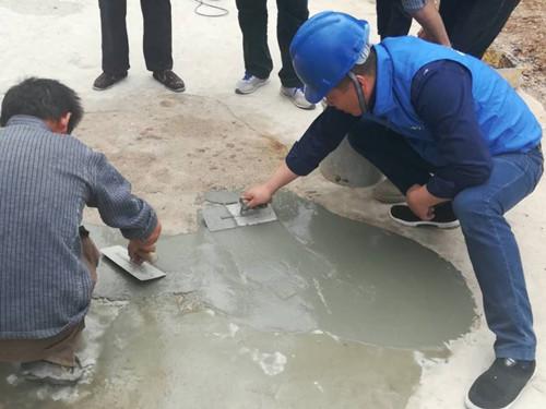 某某路段使用鸿春建材水泥路面修复砂浆