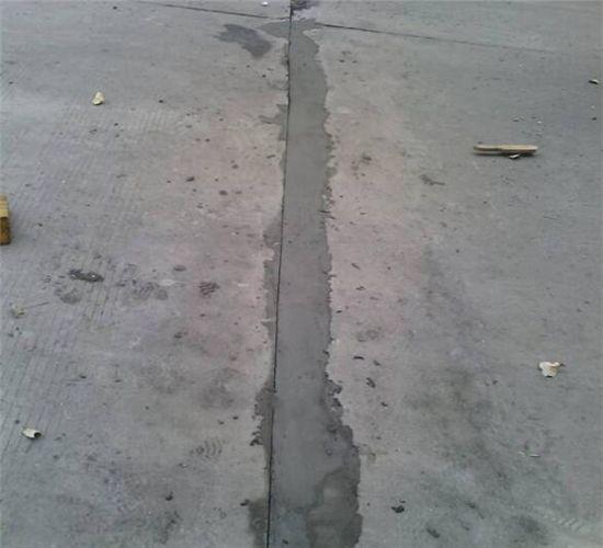 鸿春建材讲解高架桥打桩泥浆处理方面知识