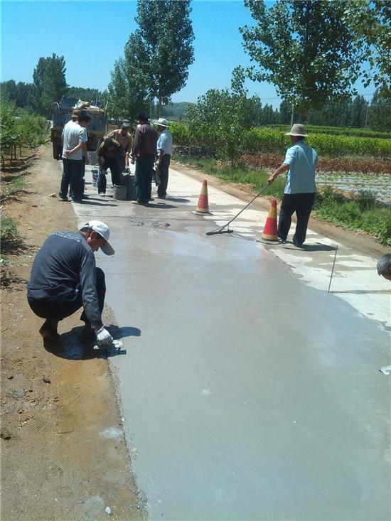 水泥路面修复砂浆有比我这还详细的使用方法吗鸿春建材倾力推荐